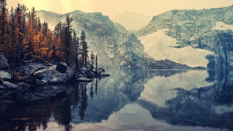 Горное озеро / Mountain Lake
