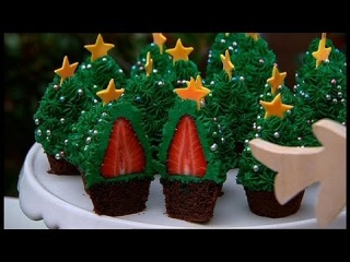 ()   Better Homes and Gardens - Fast Ed: Strawberry Christmas tree cupcakes