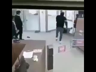 Watch out! A thief! Hold my beer, mom.