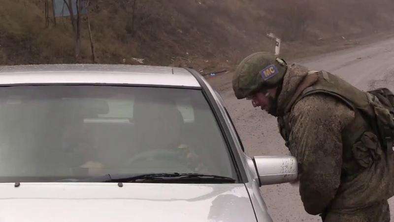 Российские миротворцы обеспечивают безопасность движения автотранспорта по Лачинскому коридору