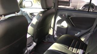 Авточехлы из экокожи для Тойота РАВ 4  2 поколение  Установка