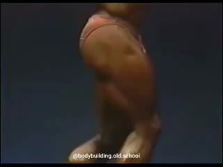 Волосатый Рон Коулман лихо отплясывает под Майкла Джексона, NPC Nationals 1987