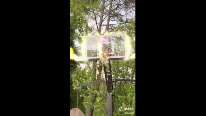 Ботан закинул огненный мяч