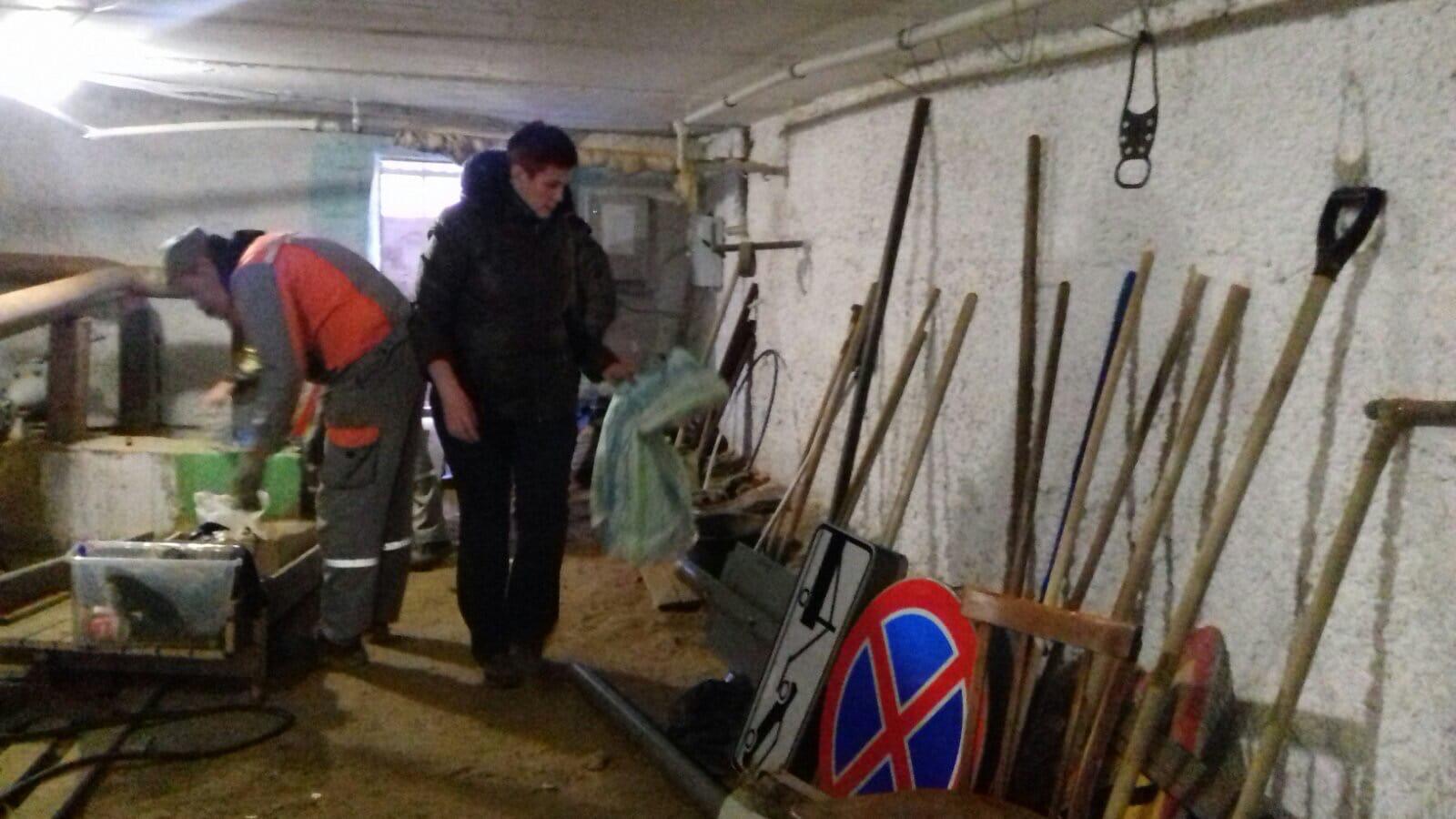 Ул. Московская, 101. Демонтаж стойки с дорожными