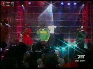 Akon Feat. Styles P - Locked Up [Live]  Вот это выступление!! =)