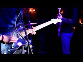 The Bezzoommies - Liquid Dogs live @ 44