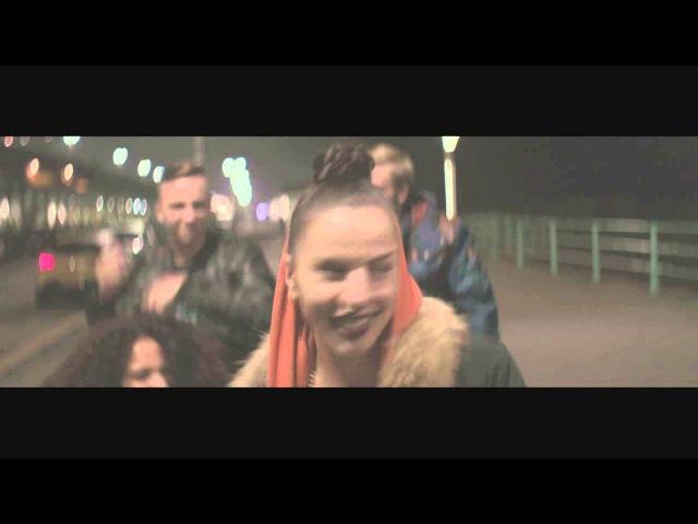 AYAH MARAR 'THE RAVER' OFFICIAL VIDEO