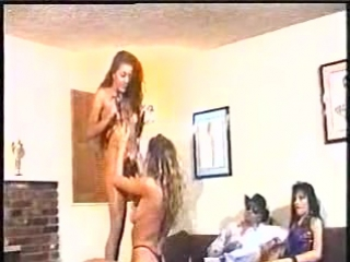 A Twist of Payne - Felecia, Misty Rain and Alexis Payne