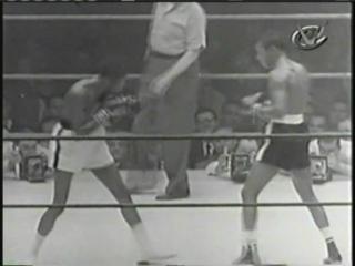 1953-11-13 Kid Gavilan vs Johnny Bratton III (World Welterweight Title)