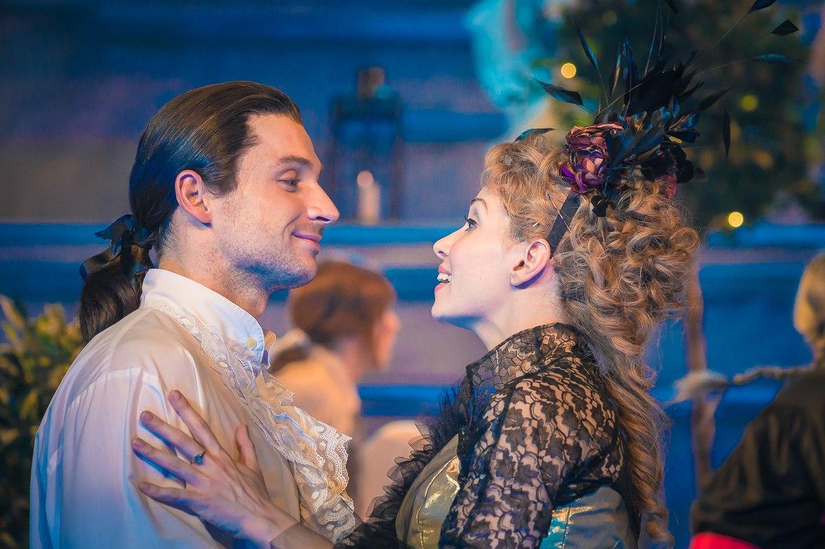 Александра урсуляк фото женитьба фигаро