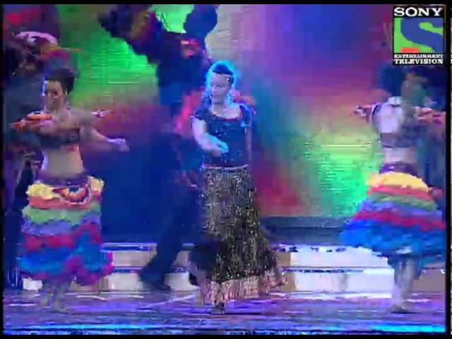 Suhasi Dhami Performs On Honthon Mein Aisi Baat - GR8 Women Awards 2012