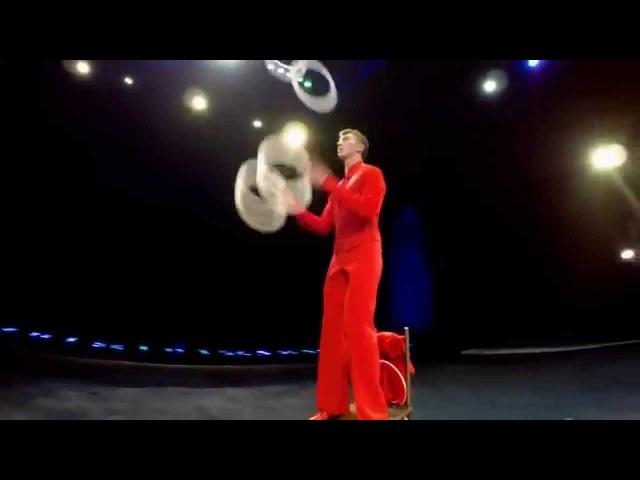 Жонглёр кольцами