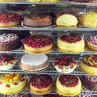 Vishenka-капкейки, чизкейки торты, пончики