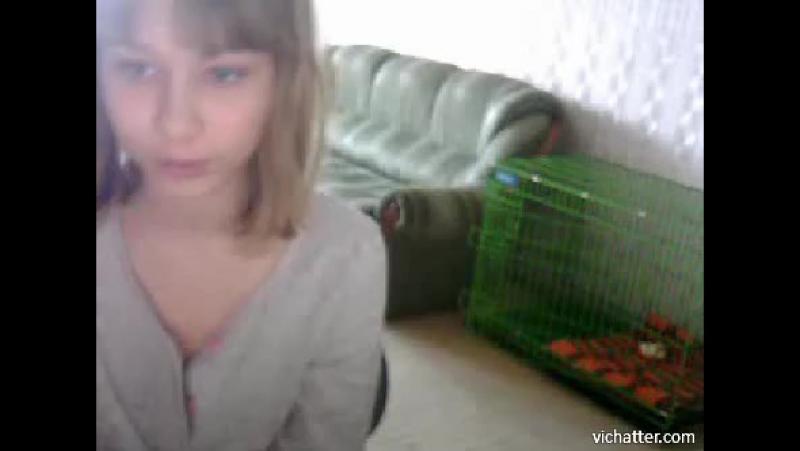 Девушка случайно засветила грудь в видеочате. Хотела показать, развод->