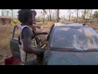 Как вернуть к жизни полностью разбитый автомобиль: лайфхак от австралийских аборигенов