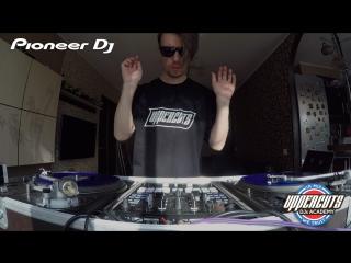 UPPERCUTS DJs Academy - DJ ROST Pioneer DJM-S9 Routine