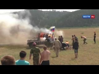 УАЗ взорвался на соревнованиях джиперов (видео).