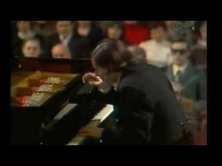 Sokolov plays Rachmaninov - Piano Concerto No. 3 1/5