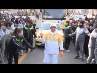 180209 Jackie Chan ran as the torchbearer in PyeongChang Olympic