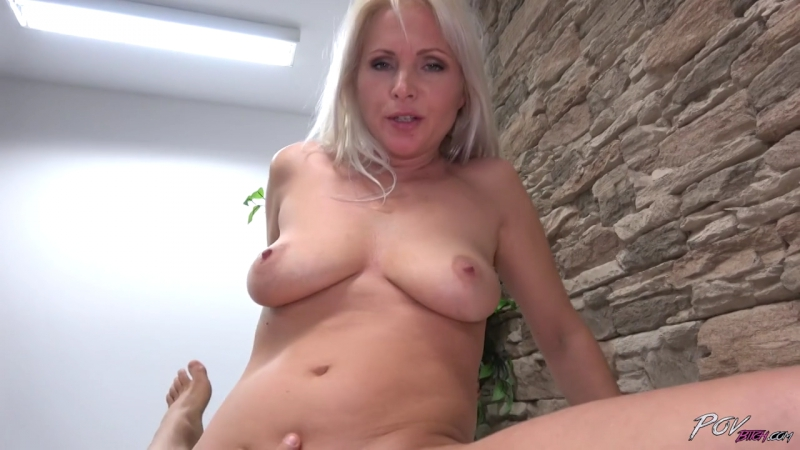 Kathy Anderson. Секс с очаровательной, зрелой мамкой от первого лица. sexy mature mom milf cougar pornstar blonde pov sex fuck