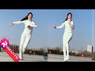 Mê mẩn bước nhảy  Shuffle Dance cô gái xinh đẹp quyến rũ