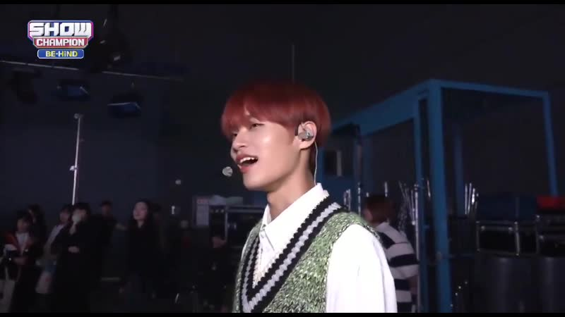 Daehwi promoting the boyz and self proclaiming that he's a deobi