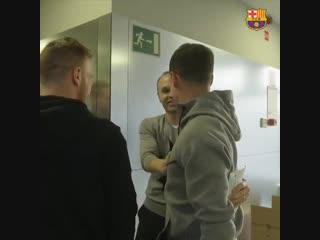 Иньеста на тренировке Барселоны