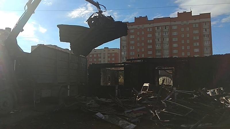 Участок со сгоревшим домом в Бердске его хозяин решил продать
