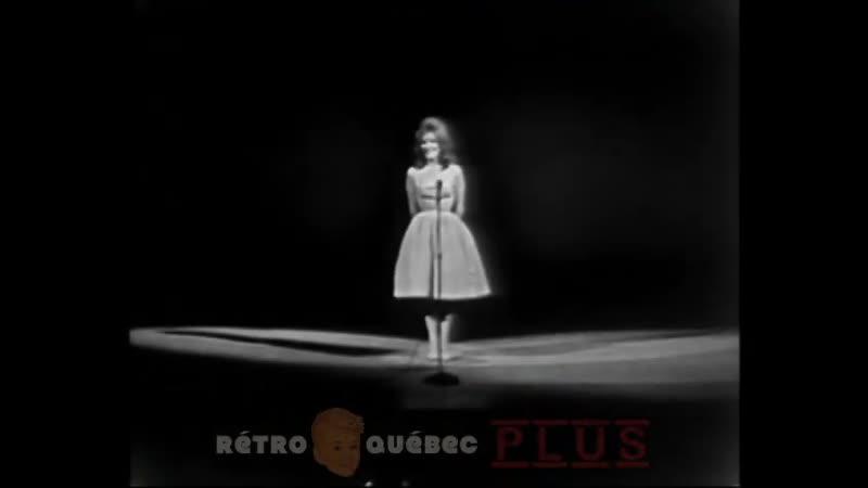 Dalida En habit du Dimanche 1963 Quebec Canada