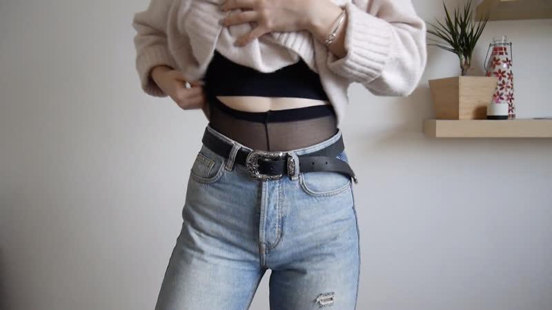 Девушка демонстрирует наряды с колготками Girl shows her outfits with pantyhose