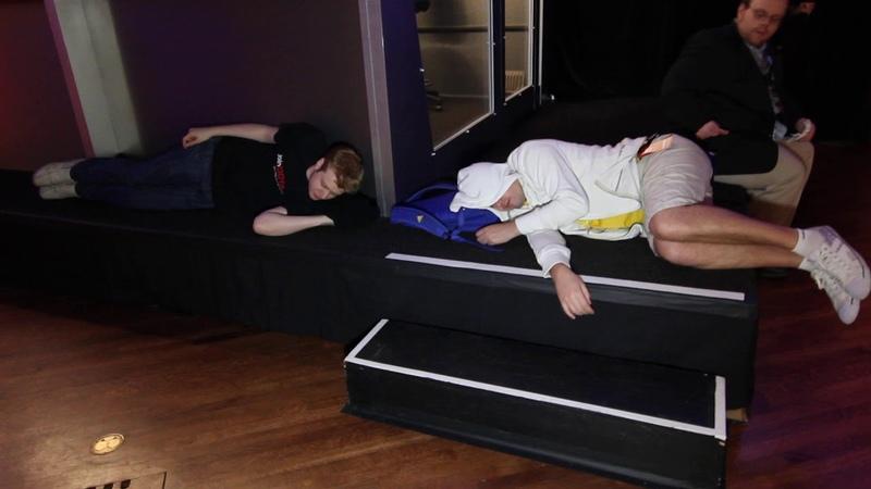 Tobiwan v1lat sleeping on stage at TI2