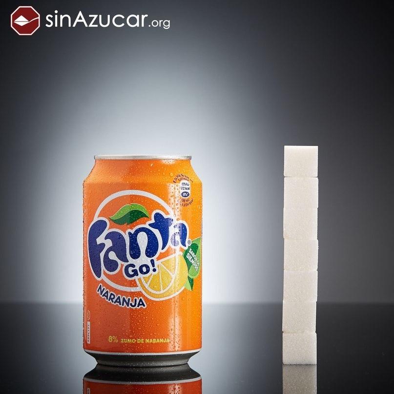Газированный напиток Fanta.