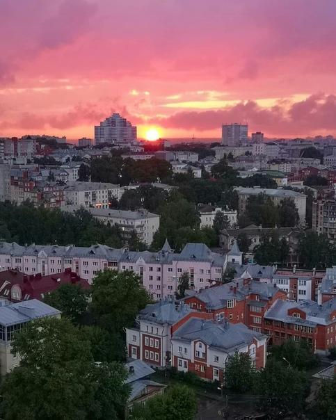Закат с дождем  Евгений Борзов