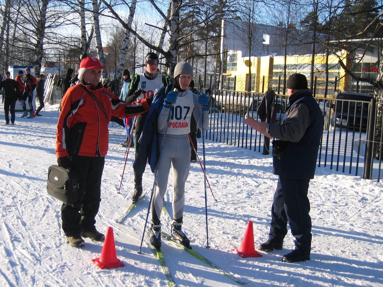 Перед стартом лыжной гонки на Универсиаде-2011 , Ярославль (лыжная база Яковлевское).
