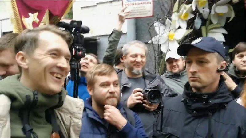У Києві поліція розділила кордоном учасників акцій Демсокири та Безсмертного полку