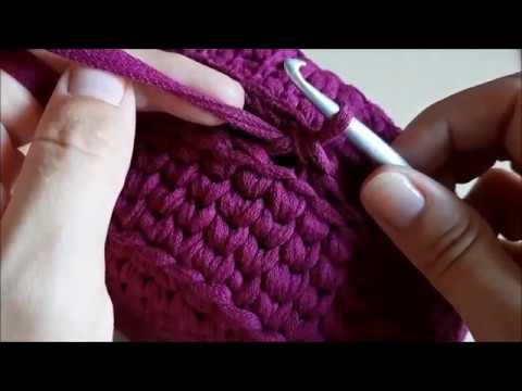 Соединяем две половинки вязаной круглой сумочки|We connect the two halves of a knitted round handbag
