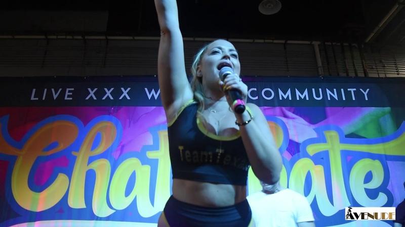 Alexis Texas fires up the crowd at Exxxotica Portland