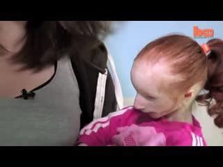 Шарлотта Гарсайд - самая маленькая девочка в мире
