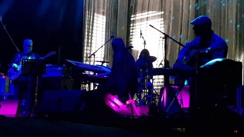 Mazzy Star Fade Into You Live Festival Nrmal 2019 CDMX 02 03 19