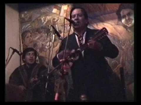 Ernesto Cavour 1 Gallito campesino Charango Boliviano