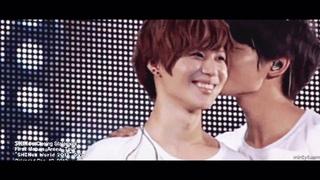 SHINee cute gay moments (kissing, hugs, skinship)