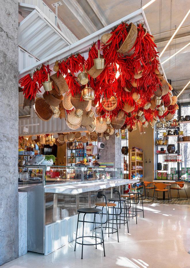 Топ самых необычных и модных дизайнерских ресторанов 2019 года от  ELLE DECORATION: ресторан «Старик и море» на Чистопрудном бульваре