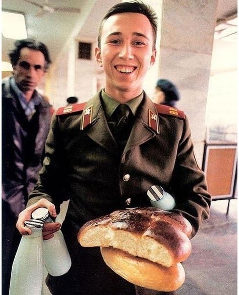 Какие эмоции вызывает у вас это фото  Вопрос не только к тем, кто служил