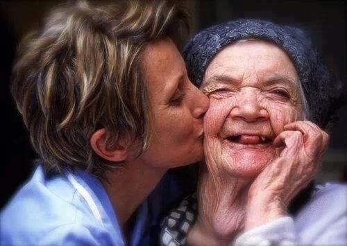 Любимые, нежные, заботливые, сердечные, всегдавсепонимающие, теплые сердцем и душой МАМЫ, а также Крестные и Приемные Мамы  с днем МАМЫ вас