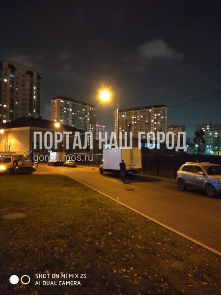 Коммунальщики восстановили освещение на участке Проектируемого проезда №6393