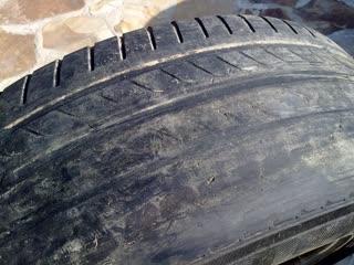 Чем опасны полустертые шины