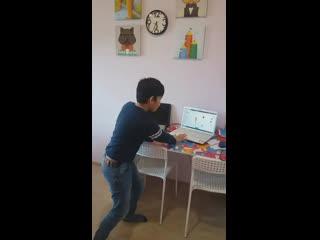 Тимур, 10 лет. Счет в уме и песня на английском