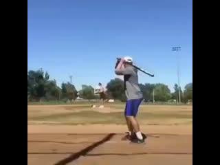 Внимательно следите за мячом ⚾