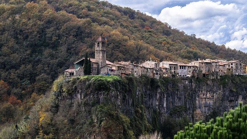 Самые красивые средневековые городки Каталонии, изображение №2