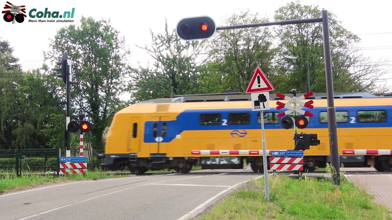 Spoorwegovergang Breda 😍4K😍 Dutch railroad crossing